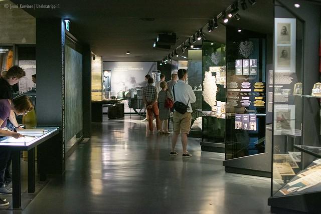 Verdun Memorial on hämärästi valaistu museo