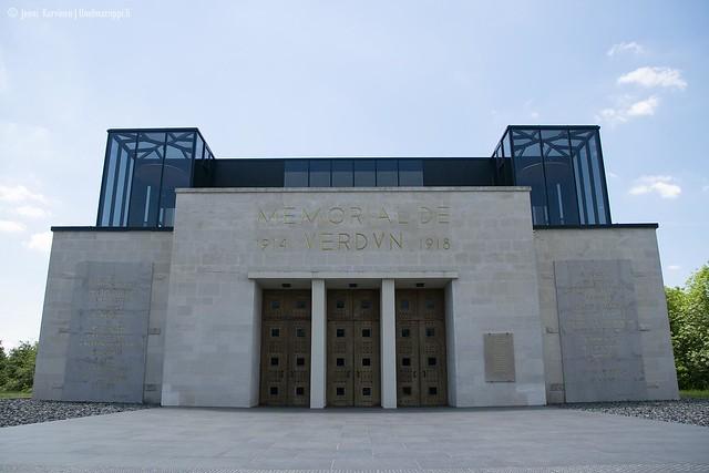 Verdun Memorialin rakennus