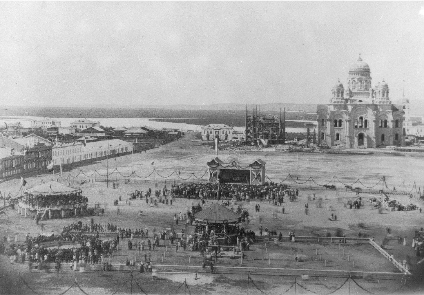 Иркутск. Тихвинская площадь, украшенная по случаю визита наследника цесаревича