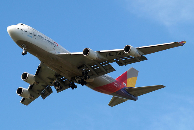 HL7423   Boeing 747-48EM [25782] (Asiana Airlines) Home~G 30/06/2013