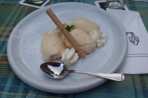 Hausgemachte Weiße Mousse au Chocolat
