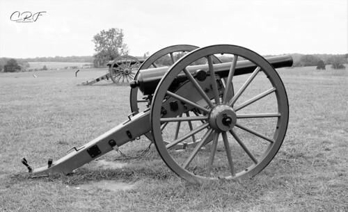 Manassas Battlefield cannon (BW)