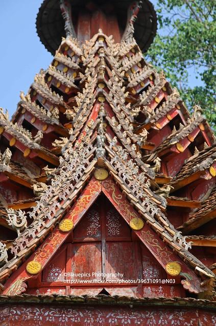 Jingzhen, Manlai pagoda, roof details