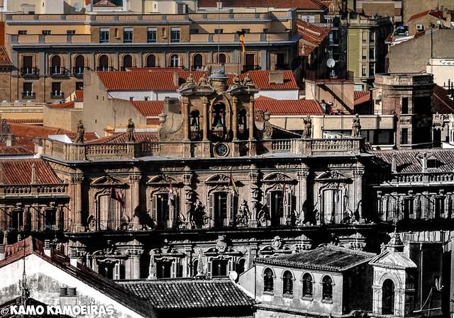 plaza mayor desde la clerecia (foto mixta)