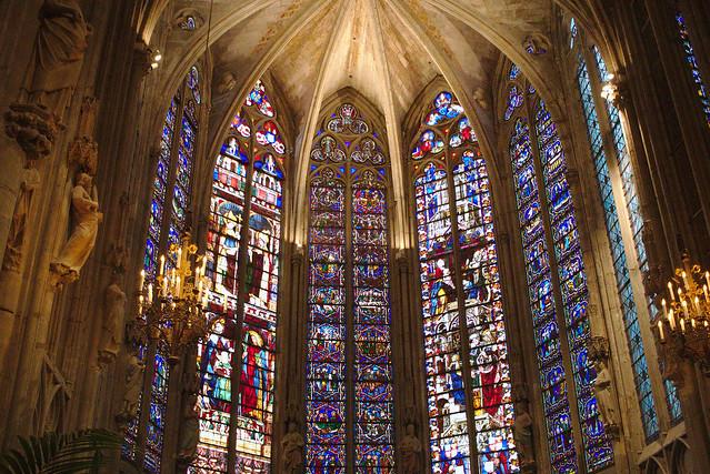 Intérieur de cathédrale Carcassonne