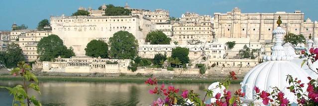 We Provide Affordable Pink city Tuk Tuk Tour | +91-962-520-2589