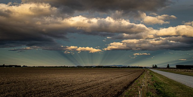 lovely anti crepuscular rays on the Canterbury Plains.NZ