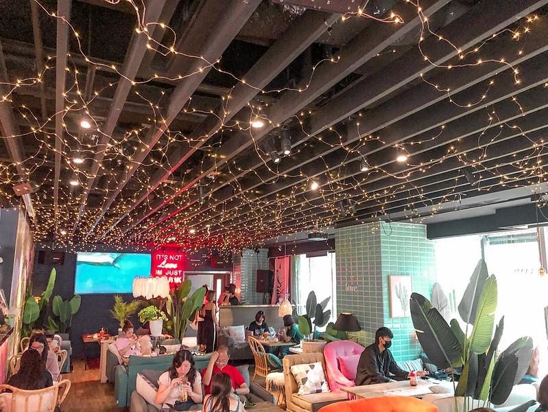 爛醉咖啡Drunk Cafe|大安咖啡廳。酒吧|IG網美打卡點。峇里島度假風