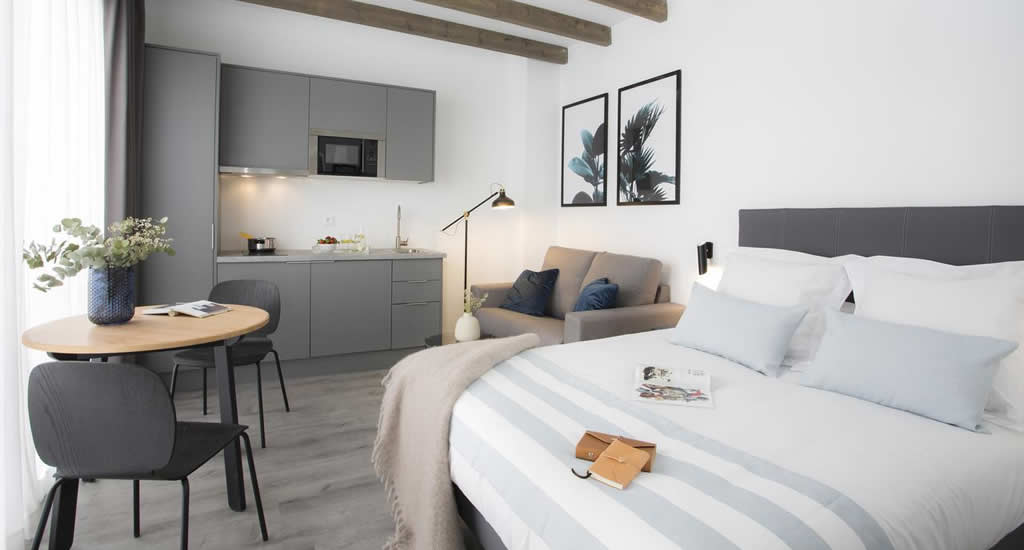 Appartement in Valencia: SingularStays Parque Central | Mooistestedentrips.nl
