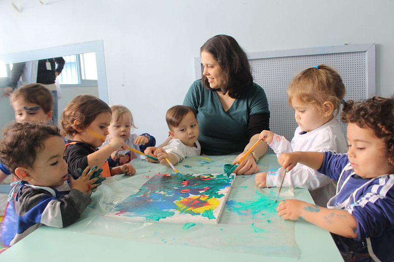 Visita da artista plástica Monna Borges ao Maternal I