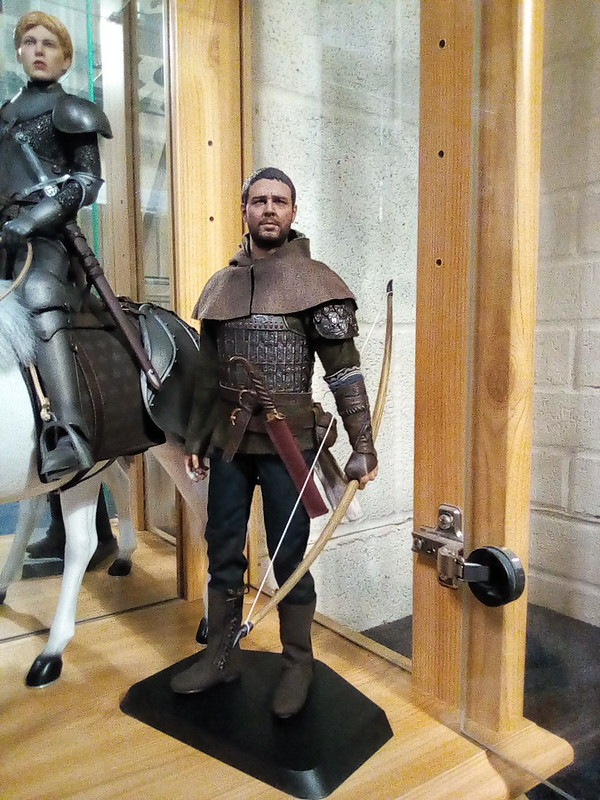 NEW PRODUCT: POPTOYS: 1/6 EX21 Robin Hood Chivalrous Robin Hood - Double Head Carving & War Horse 48598987912_8d7794062f_c