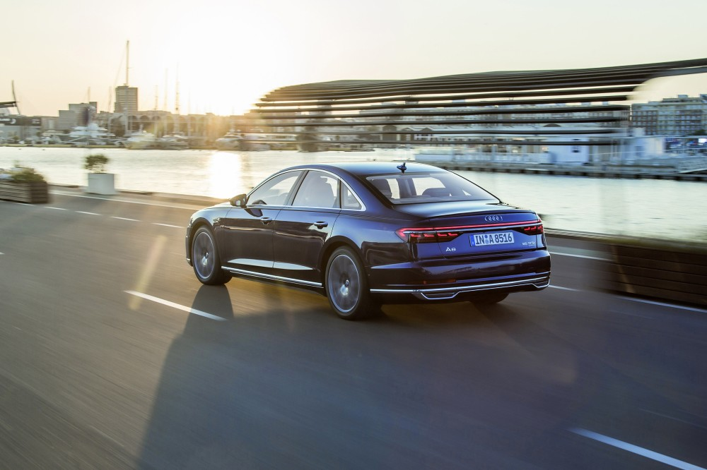 Audi A8_ 07