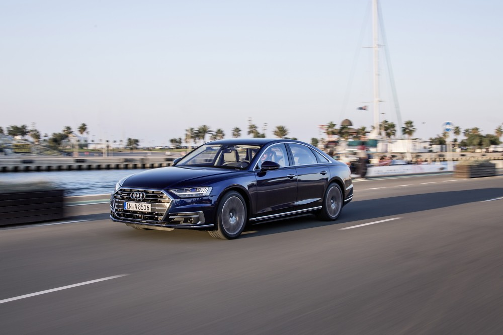 Audi A8_ 06