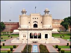 Hazuri bagh & Lahore Fort