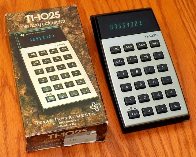 Vintage Texas Instruments Electronic Pocket Calculator, Model TI-1025, Assembled In El Salvador, Circa 1977