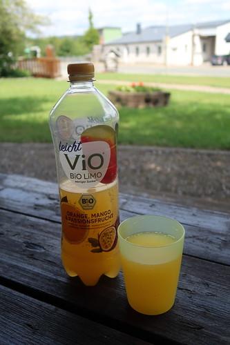 Bio-Limonade (Orange-Mango-Passionsfrucht)