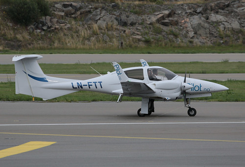 "Pilot Flight Academy Diamond DA-42 NG Twin Star LN-FTT 190822 BMA | by Anders ""Bromma"" Nilsson"