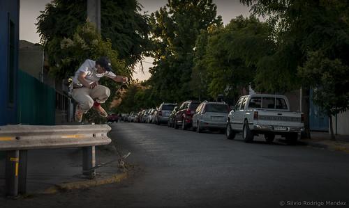 Gustavo Bustamante - Hippie Jump