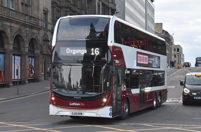 Lothian Buses Volvo B8L 1095