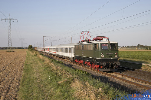 242 001 . PRESS . ex-DR . 95660 . Herrath . 22.08.19.