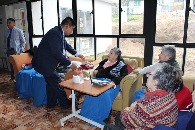 Visita a hogar de ancianas en #LlamadosaServir