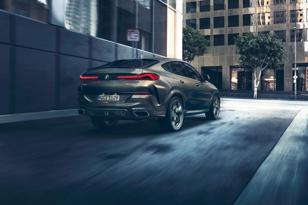 [新聞照片二] 全新世代BMW X6注入更多跑車元素,LED 3D立體尾燈與車尾線條採用與BMW 8系列相同設計風格。