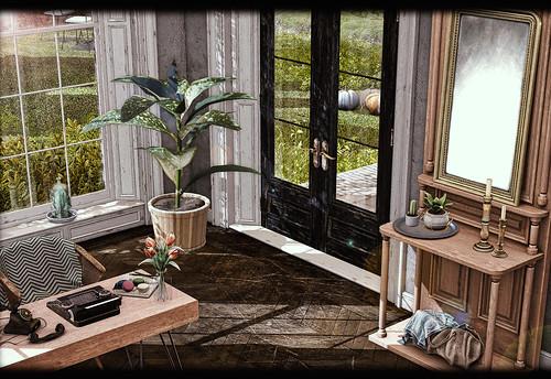 ChiMia - Foyer Door Table & Mirror
