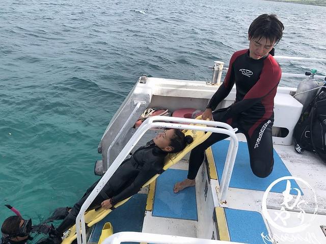 要救助ダイバー引き上げ