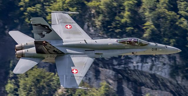 LSMF: Zigermeet2019 - SwissAirForce SoloDisplay F/A 18-C J-5018