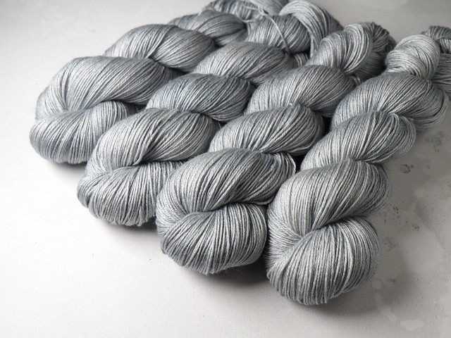 Brilliance 4 Ply  – British Bluefaced Leicester wool and silk hand-dyed fingering weight yarn 100g – 'Silver' (pale grey)
