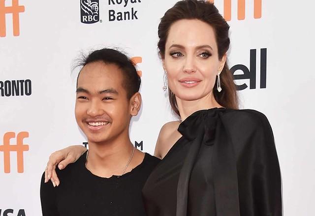 Angelina-Jolie-11