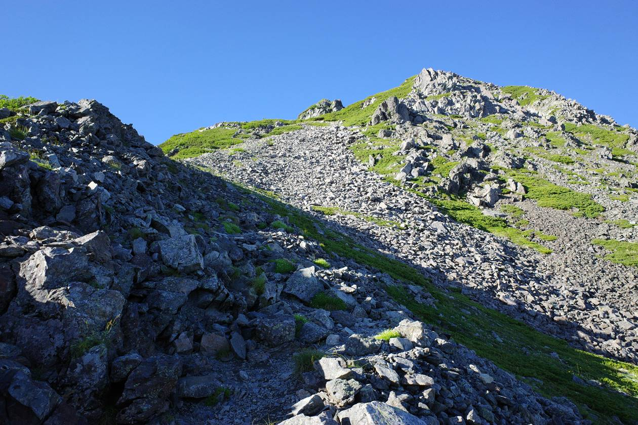 農鳥岳の急登