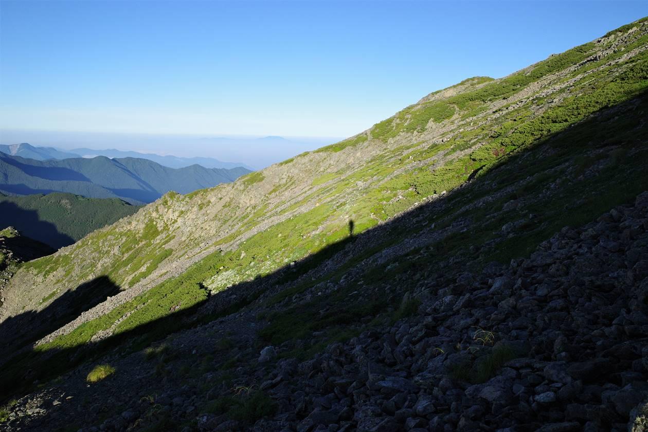 間ノ岳から農鳥岳の急登