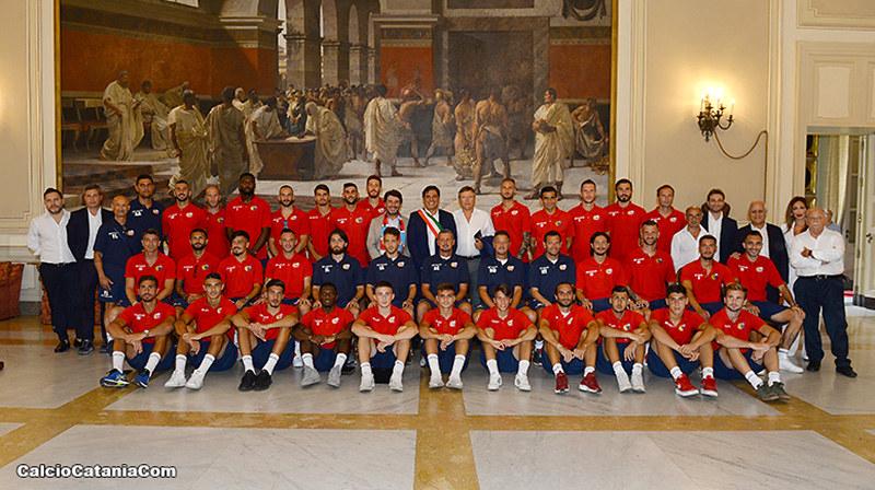 Foto di gruppo del Catania 2019-20