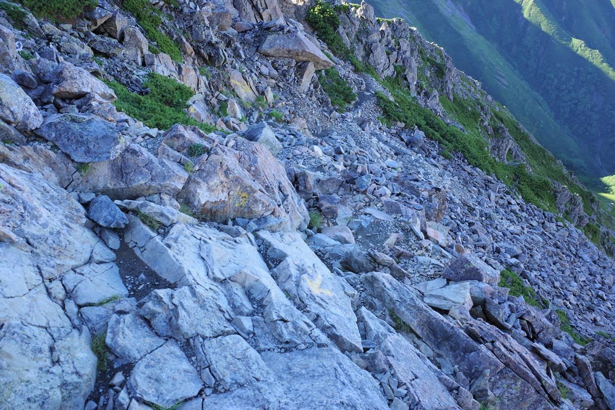 西農鳥岳から農鳥岳の岩場