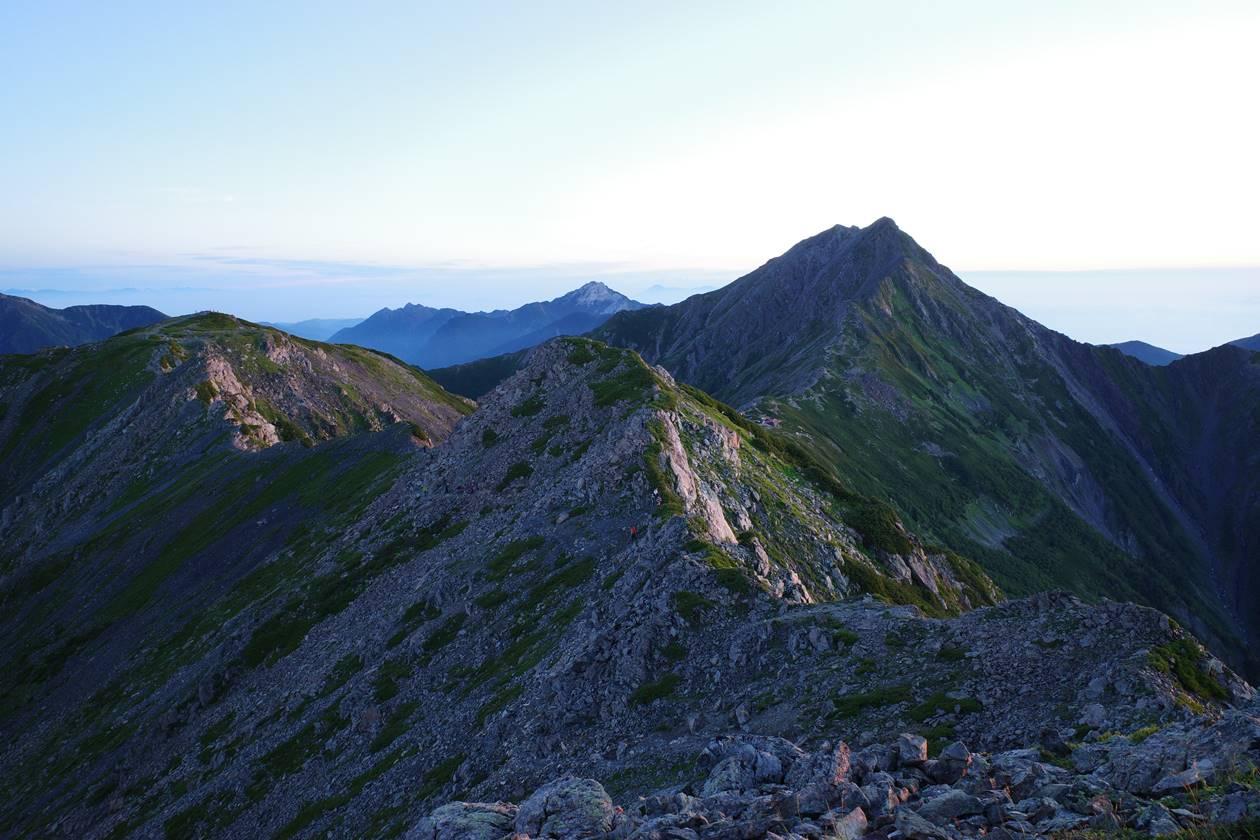 南アルプス・北岳と稜線風景