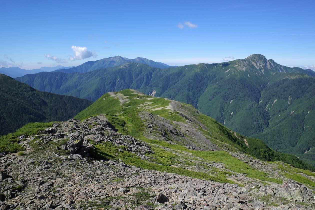 広河内岳から眺める塩見岳~赤石岳