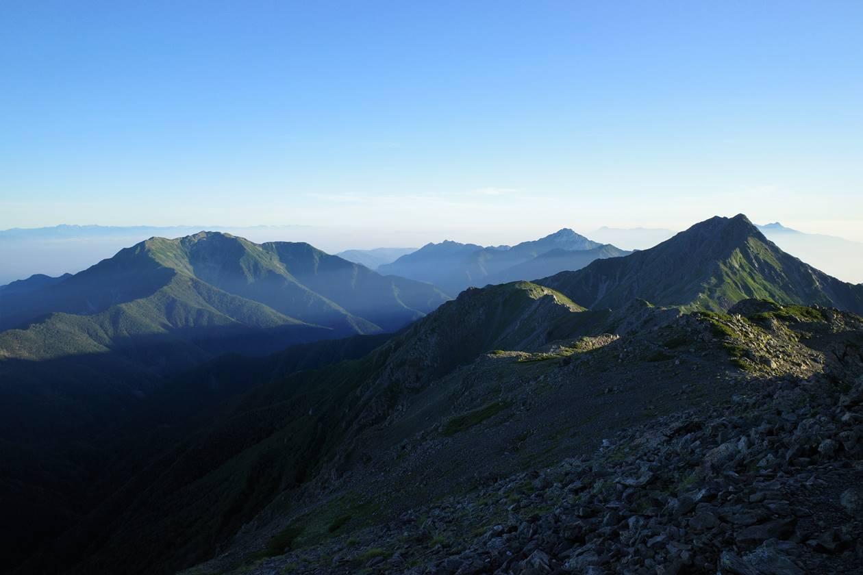 間ノ岳山頂から眺める北岳~甲斐駒ヶ岳~仙丈ヶ岳