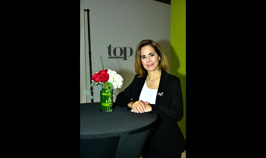Pilar Gonzales entre los finalistas del Stacy's Rise Project