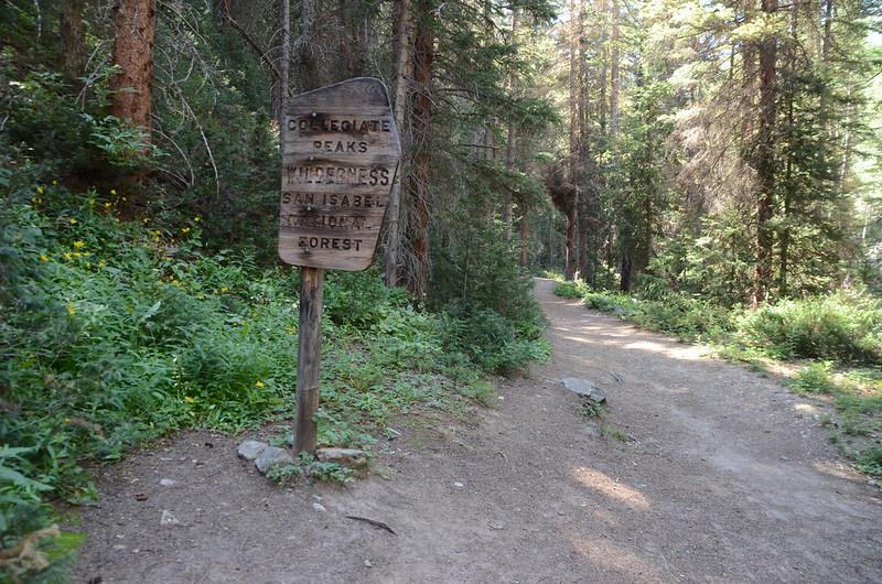 Collegiate Peaks Wilderness sign (1)