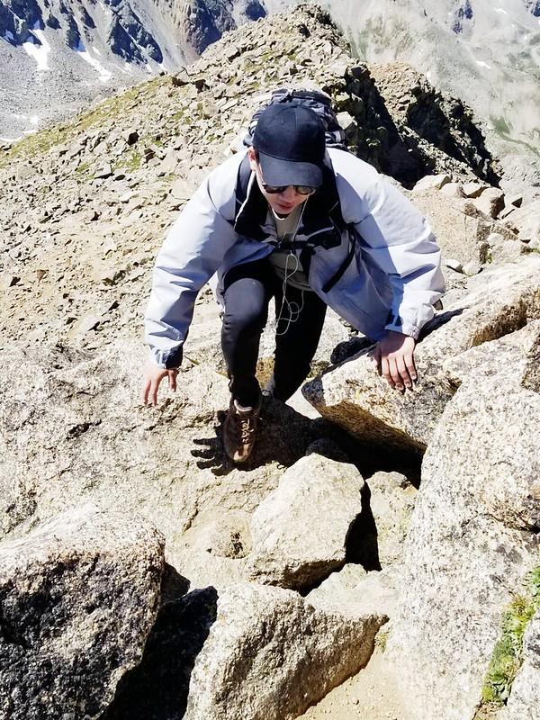 Climbing up to the summit of Mount Harvard (5)