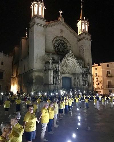 Acte final de la #SardanaGroga per #LlibertatPresosPolítics i la candidatura de la #Sardana com a #patrimoni immaterial de la #humanitat per la @unesco #Vilafranca #Penedès