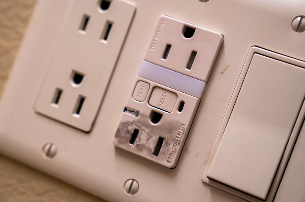 Black Burns Around Electric Outlet | Burned plastic or fire … | Flickr
