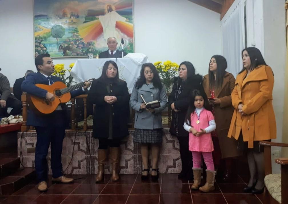 Iglesia de Bulnes realiza semana especial organizada por su coro oficial