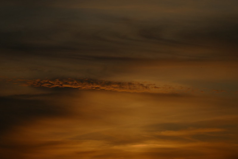 Ciels du Finistère : Lac de Huelgoat 48610678907_54850e84da_c