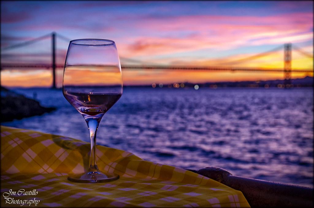 Una copa en Cacilhas (Lisboa)