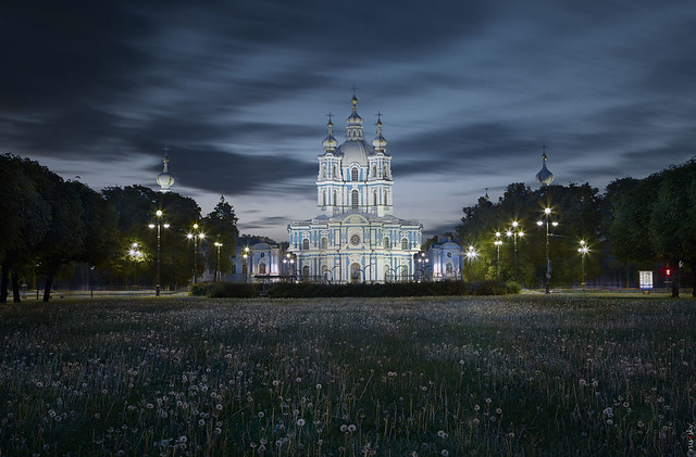 RUS71654 - Cityscape #7. Cathedral