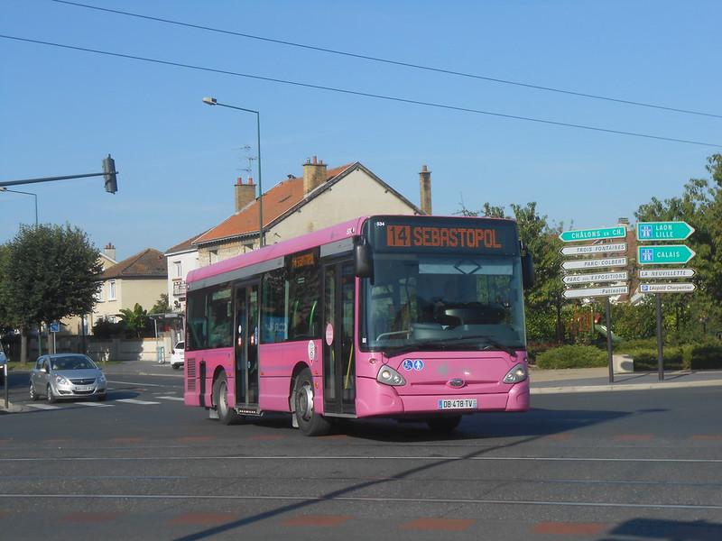 Reims bus 48611926571_a40da84b48_c