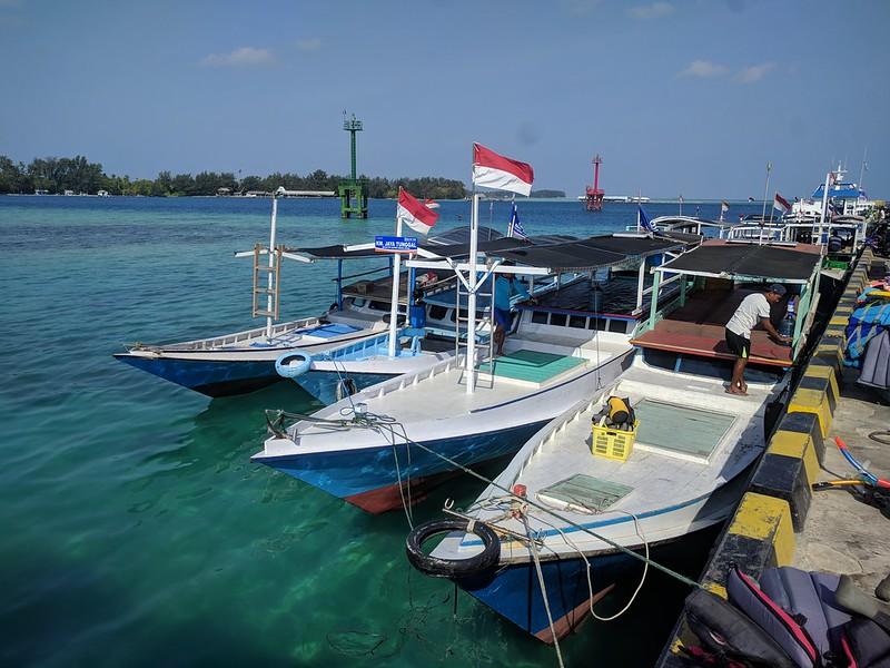 Botes de turismo en las islas de Karimunjawa