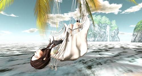 Relaxing @ Peace Surf & Sail beach